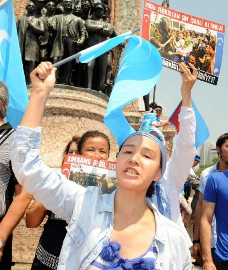 dogu-turkistan-protestosu-DHA-acd84dbf68bdfe3f74b9c0f9b82cdf0d-3-t